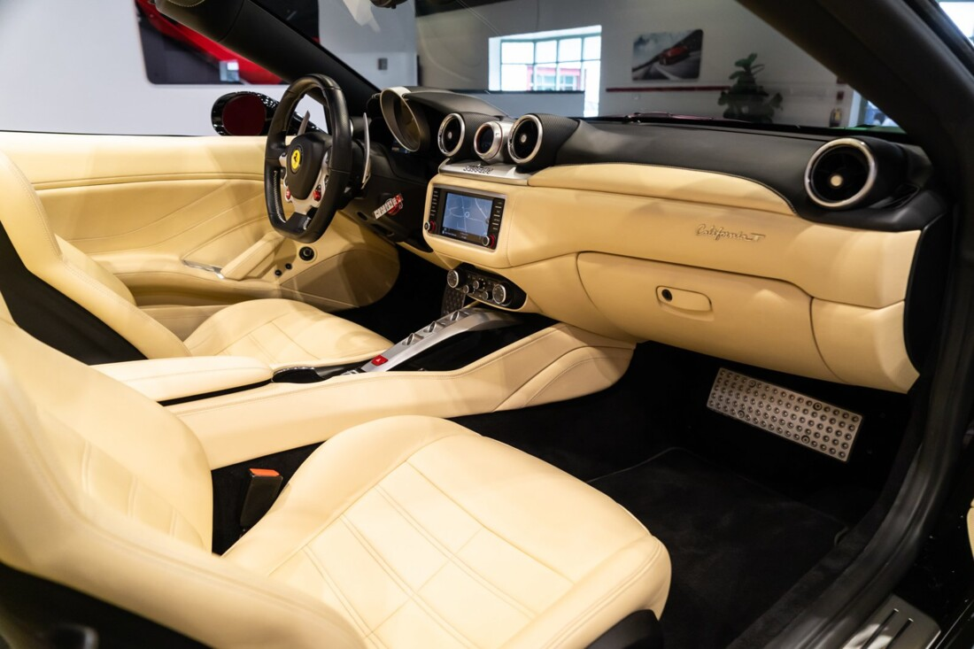 2016 Ferrari  California image _6142ebe3314b90.67895828.jpg