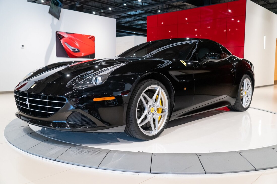 2016 Ferrari  California image _6142ebe7130097.22548464.jpg