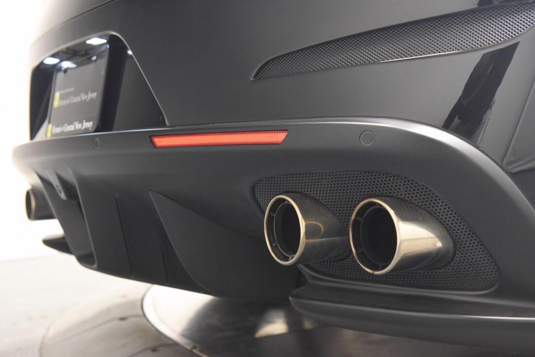 2019 Ferrari GTC4Lusso image _6142ebf5e87a15.96290774.jpg