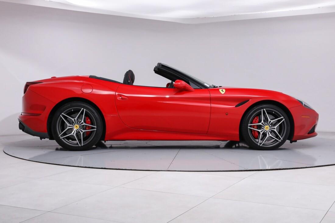 2016 Ferrari  California T image _61443d140ba2e5.57102585.jpg