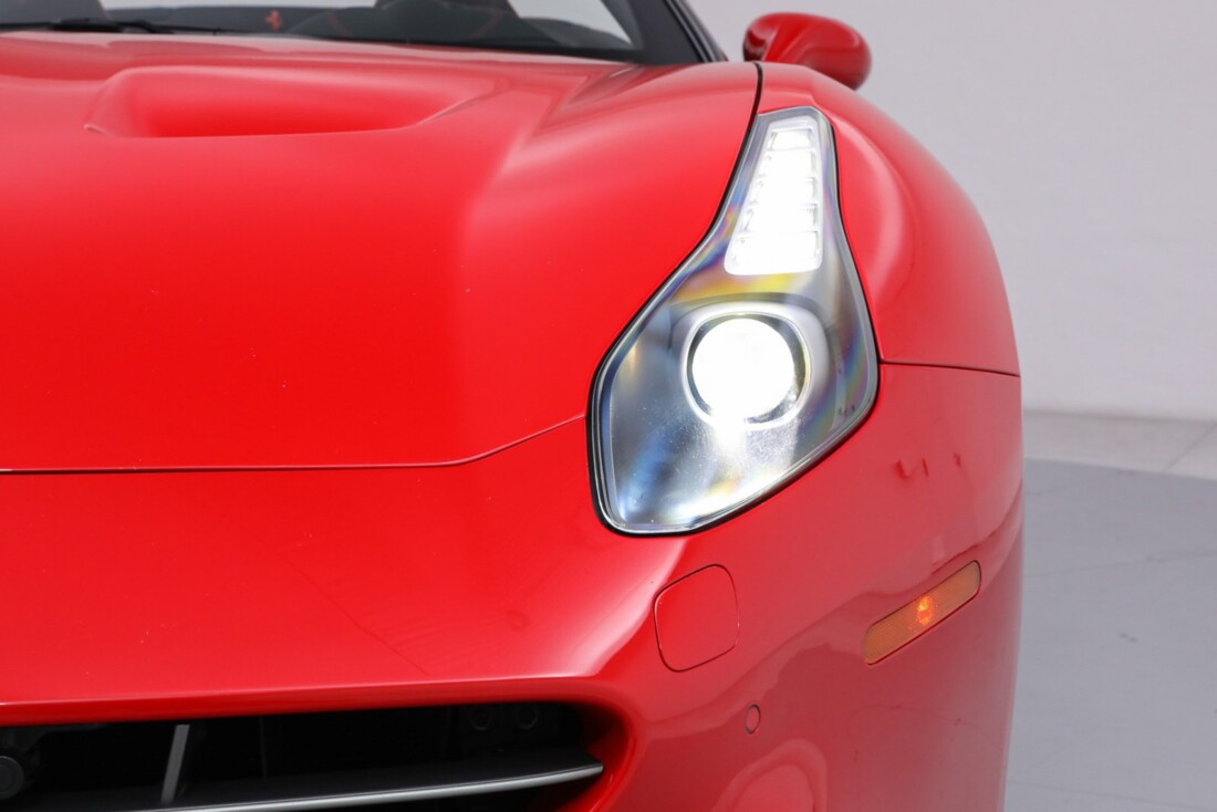 2016 Ferrari  California T image _61443d17428148.43592194.jpg