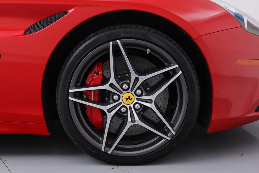 2016 Ferrari  California T image _61443d2838cab8.56072793.jpg