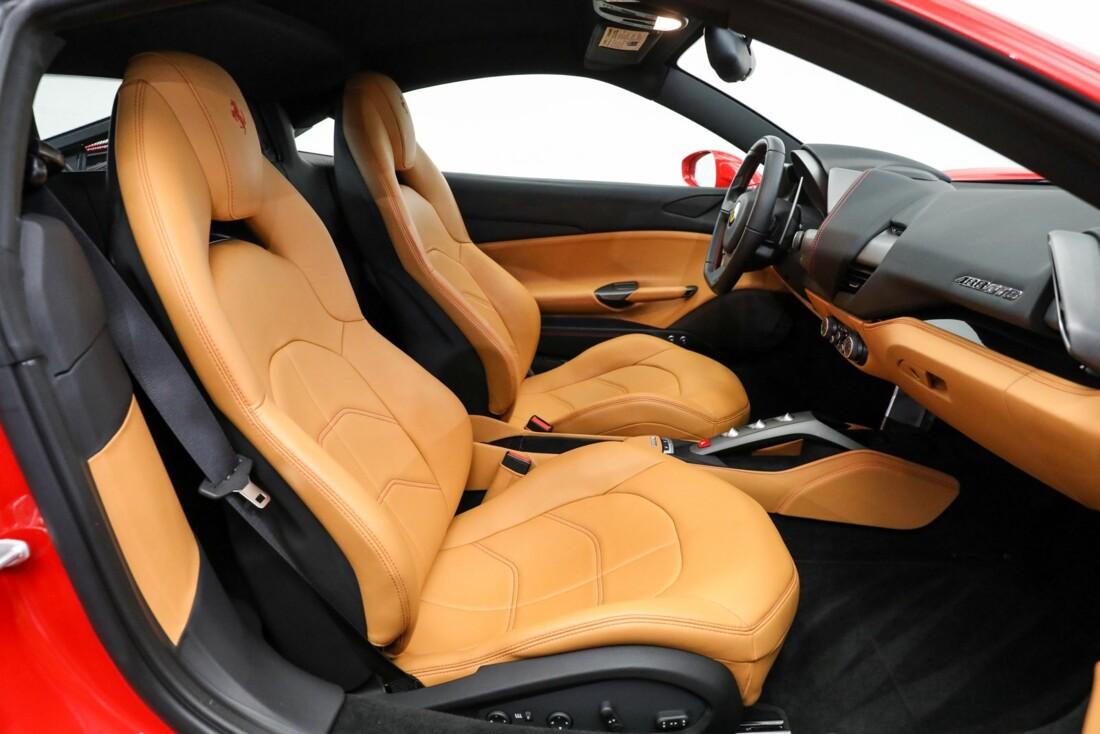 2017 Ferrari 488 GTB image _61443d63a233b5.63855128.jpg