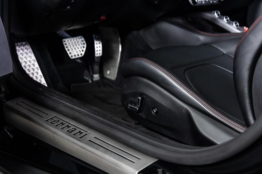 2020 Ferrari  Portofino image _6146e0164052c6.63009130.jpg
