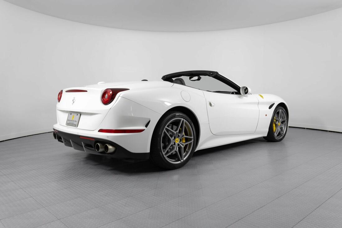 2015 Ferrari  California image _6146e03f468b69.26604779.jpg