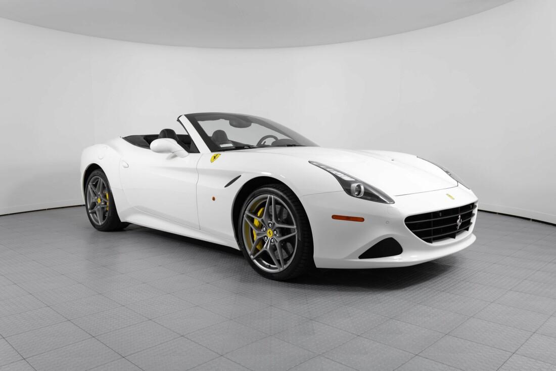 2015 Ferrari  California image _6146e04249d211.66472323.jpg