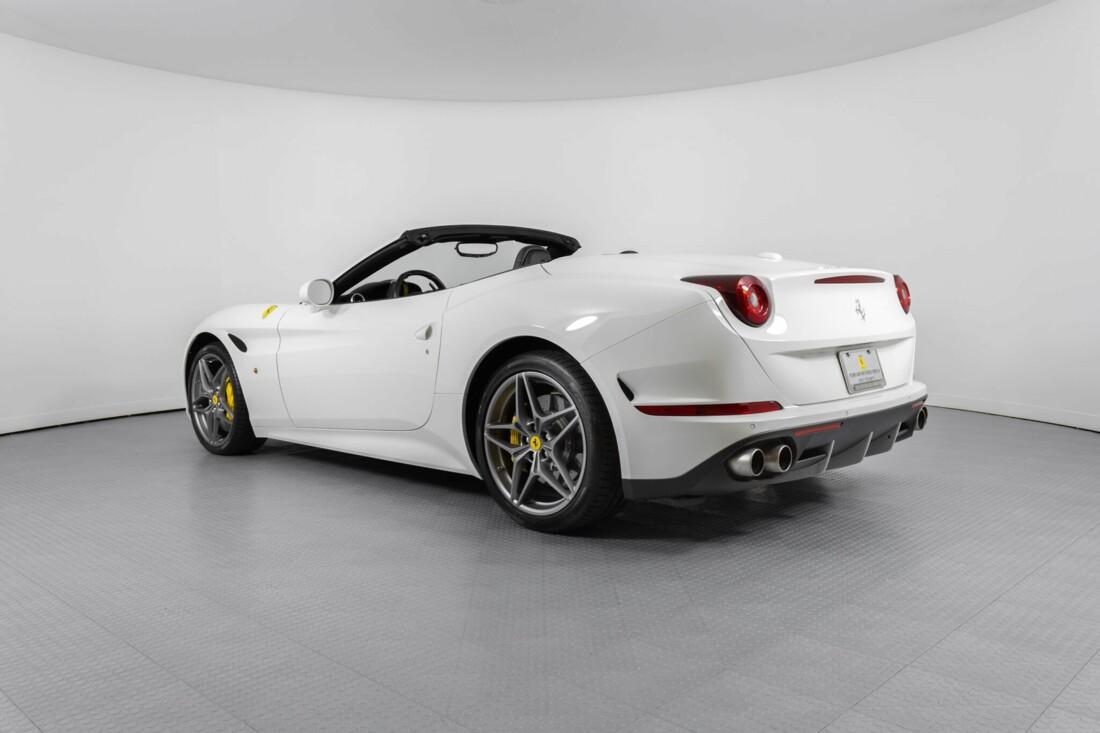 2015 Ferrari  California image _6146e043547fc6.61443979.jpg