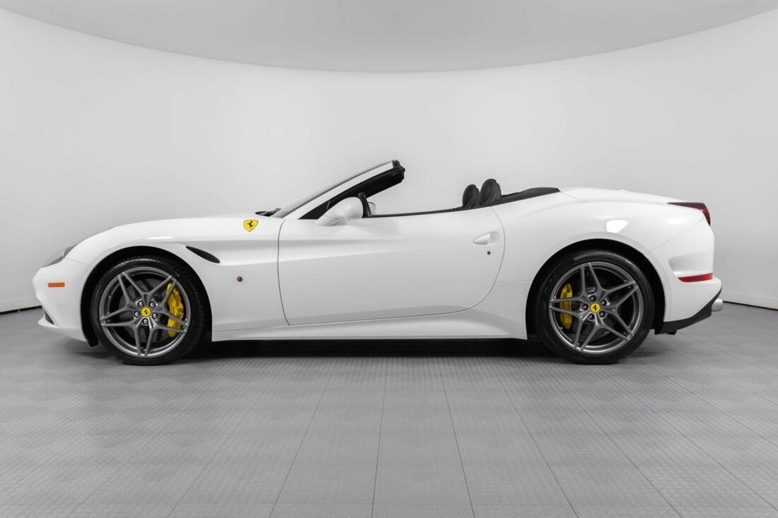 2015 Ferrari  California image _6146e0444bab94.42334228.jpg