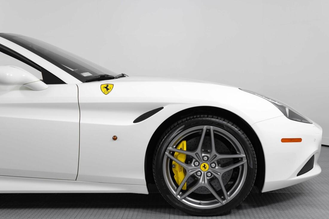 2015 Ferrari  California image _6146e04926f8c3.82276493.jpg
