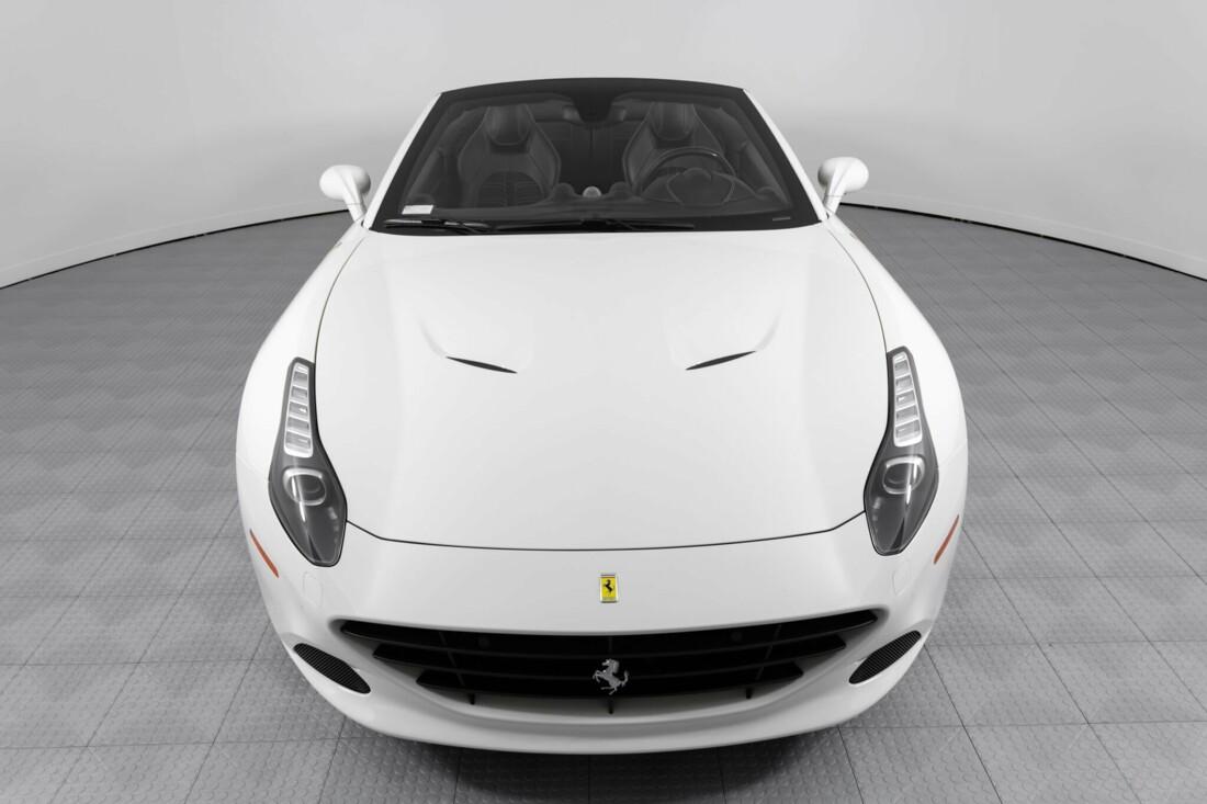 2015 Ferrari  California image _6146e04a2cc928.96112810.jpg