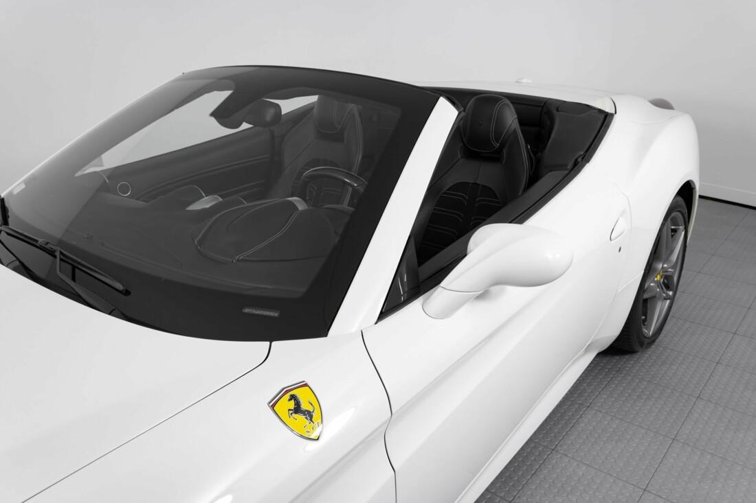 2015 Ferrari  California image _6146e04d107926.36264989.jpg