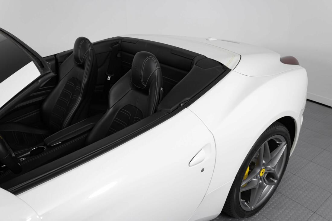 2015 Ferrari  California image _6146e04e2ab426.32151883.jpg