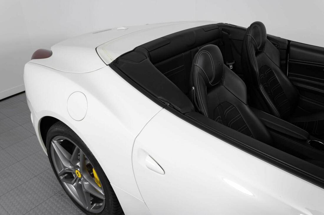 2015 Ferrari  California image _6146e050168708.37400611.jpg
