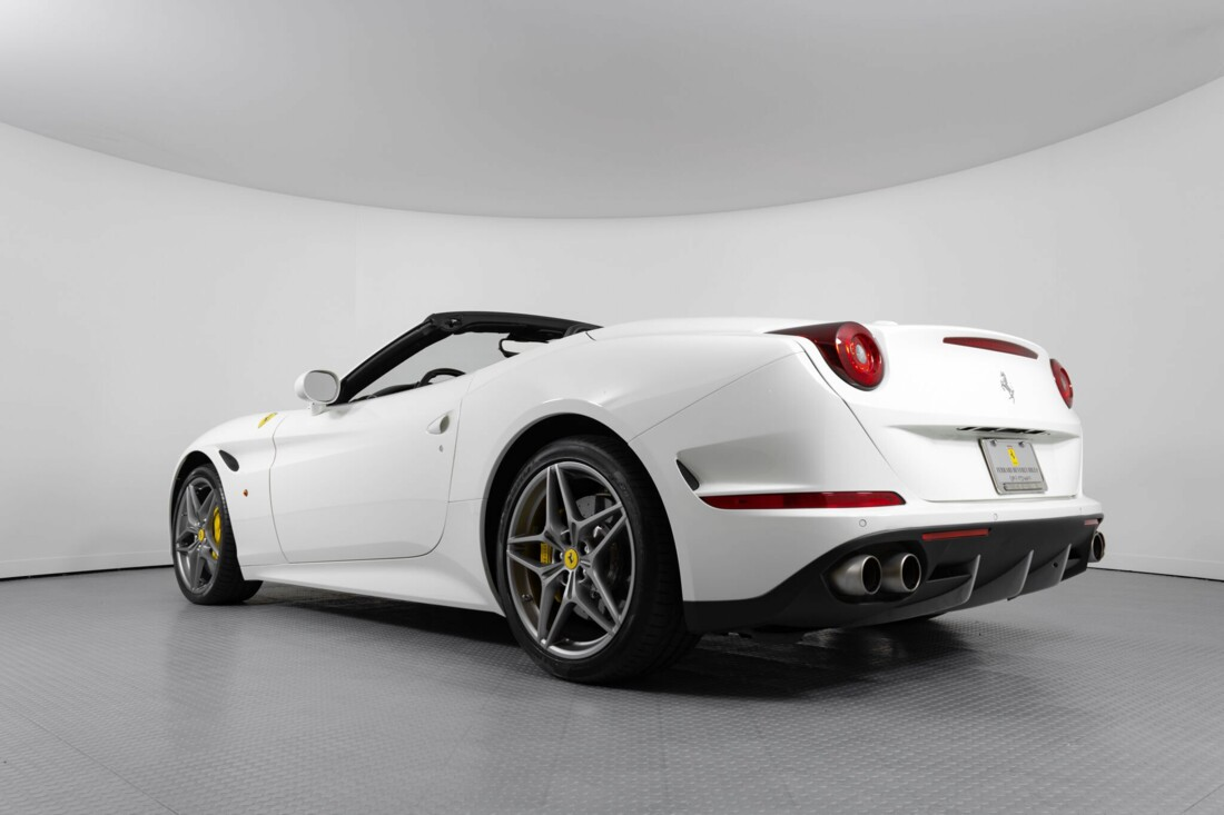 2015 Ferrari  California image _6146e051079537.73442224.jpg