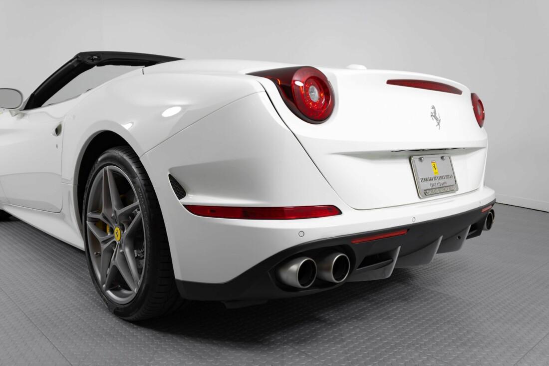 2015 Ferrari  California image _6146e0520e3d72.98191039.jpg