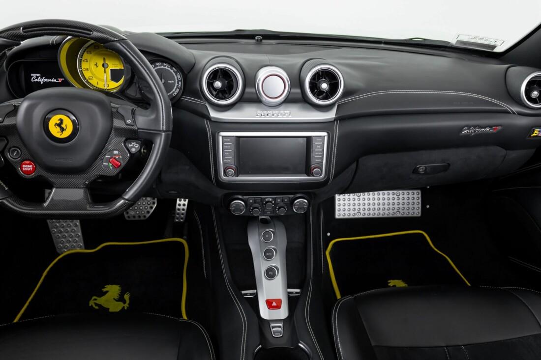 2015 Ferrari  California image _6146e05f4235a4.16360582.jpg