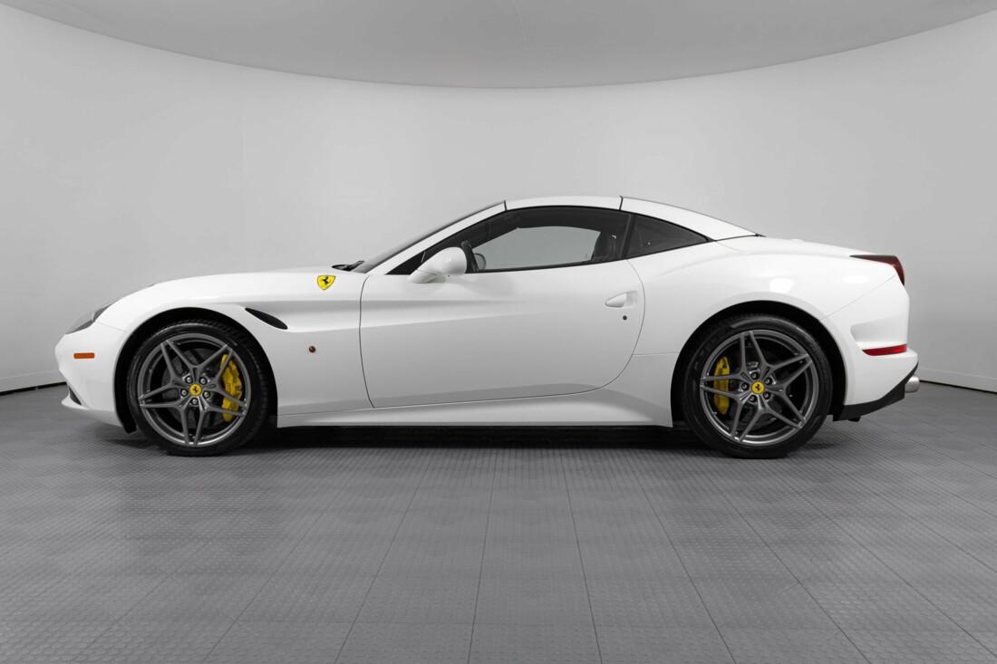 2015 Ferrari  California image _6146e07287bf70.45718049.jpg