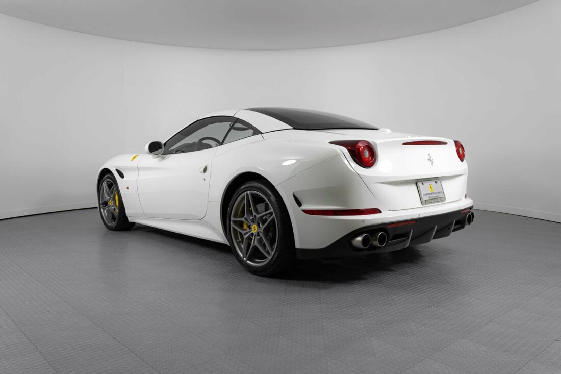 2015 Ferrari  California image _6146e0737cc882.51587655.jpg