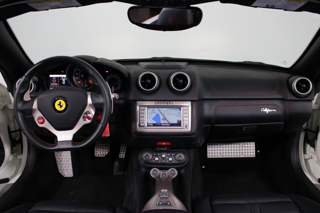 2014 Ferrari  California image _6146e0b545fba3.37730715.jpg