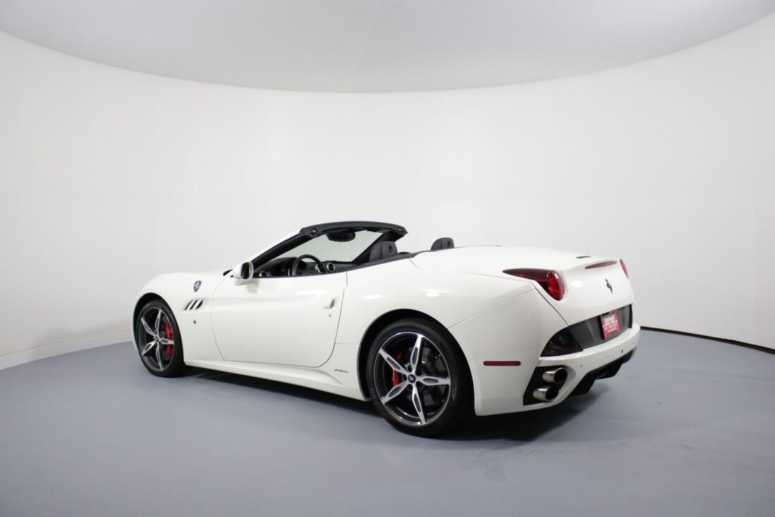 2014 Ferrari  California image _6146e0c27e1f13.33823683.jpg