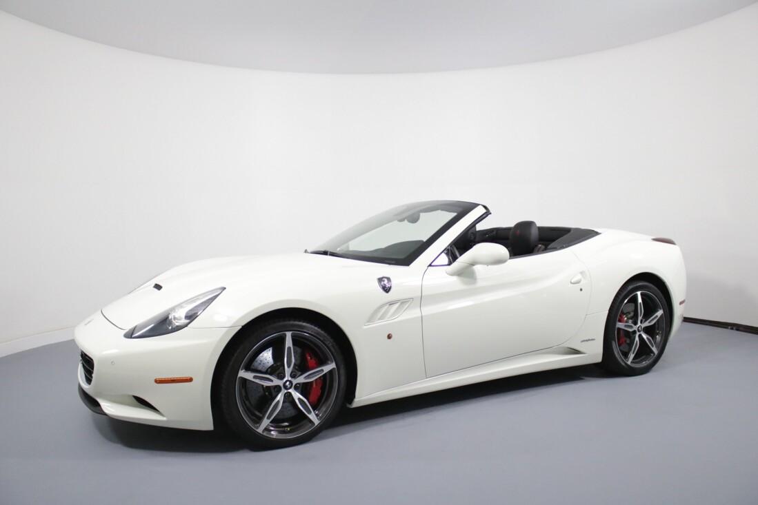 2014 Ferrari  California image _6146e0c8bea941.88578973.jpg