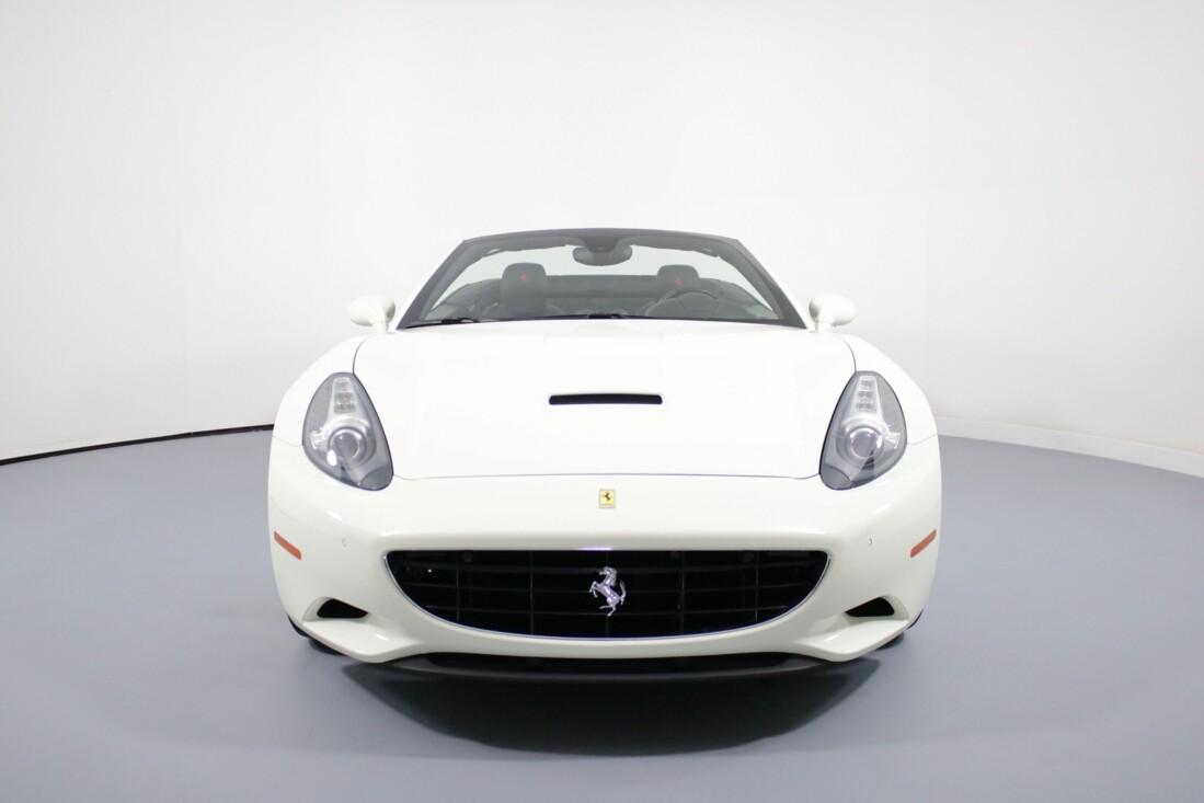 2014 Ferrari  California image _6146e0cbdc6f14.11825443.jpg