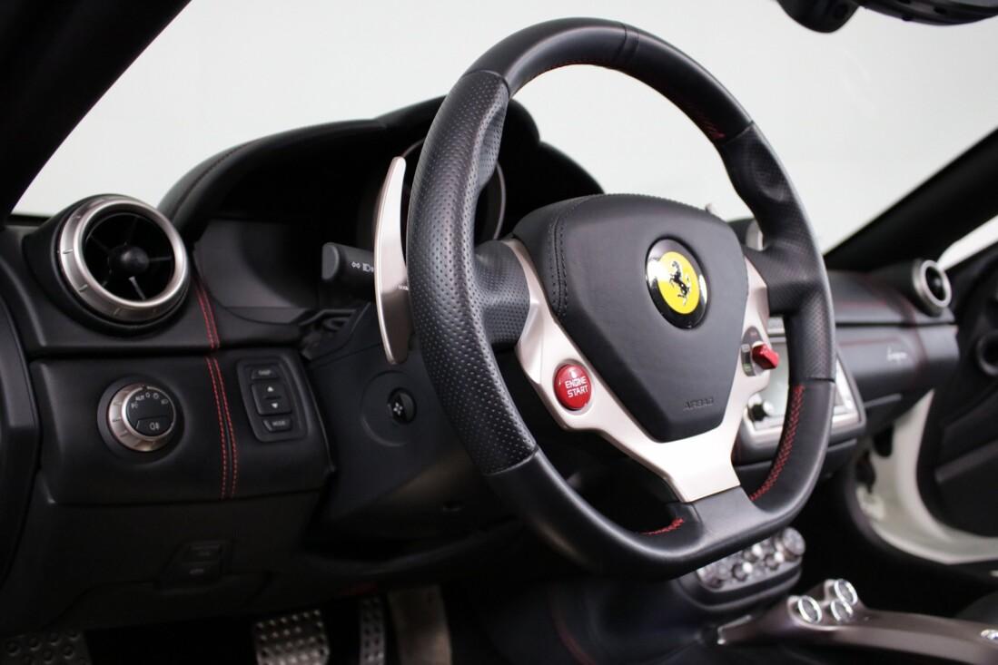 2014 Ferrari  California image _6146e0d2371dd7.75255318.jpg