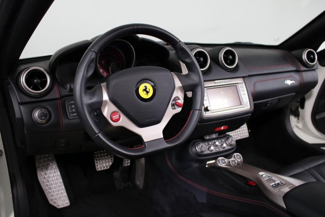 2014 Ferrari  California image _6146e0e24b3555.00516176.jpg