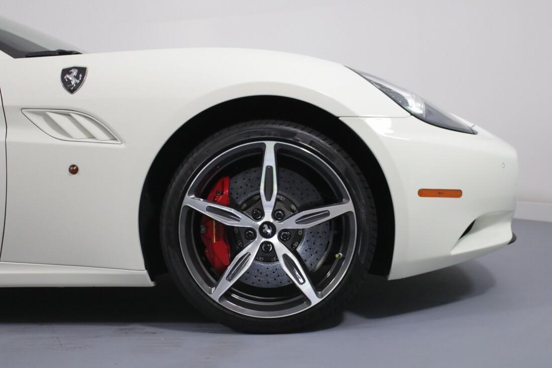 2014 Ferrari  California image _6146e12f5d2c47.67878697.jpg