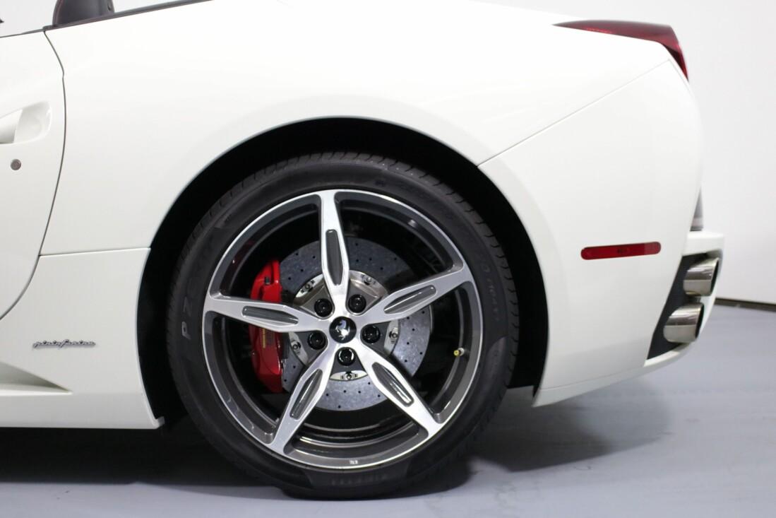 2014 Ferrari  California image _6146e13f5a8a31.01557800.jpg