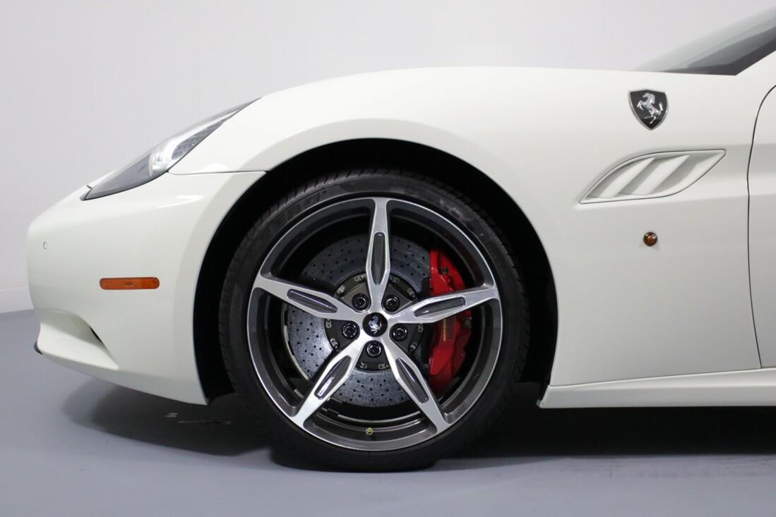 2014 Ferrari  California image _6146e14762a237.39527146.jpg