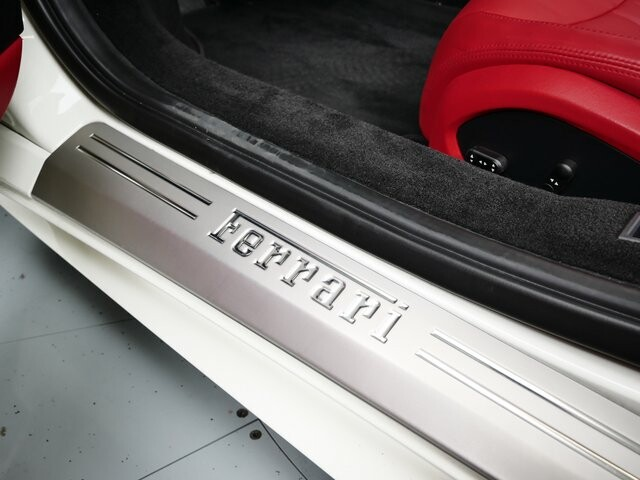 2013 Ferrari  458 Italia image _6146e180df2b63.48989820.jpg