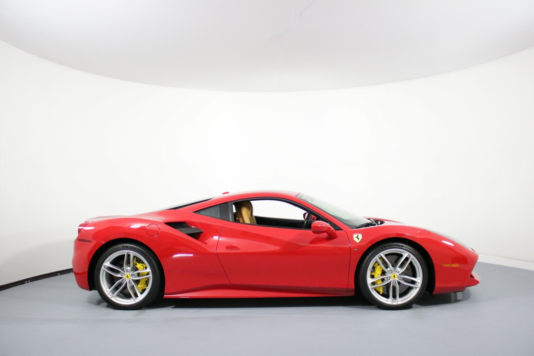 2017 Ferrari 488 GTB image _614ad5a54cbae2.69854346.jpg