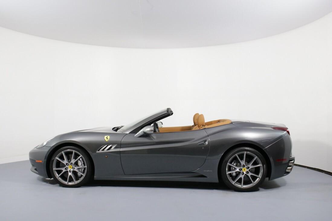 2012 Ferrari  California image _614c26d5d82942.50675687.jpg