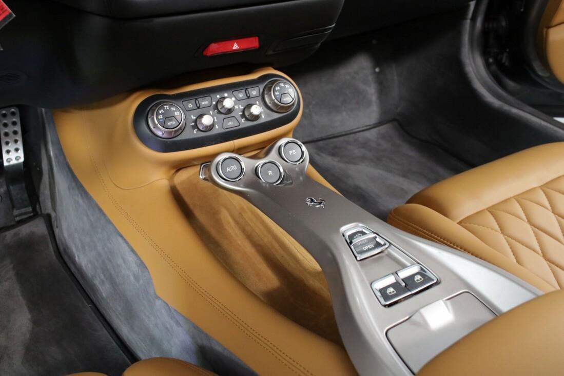 2012 Ferrari  California image _614c26f2e31058.90712633.jpg