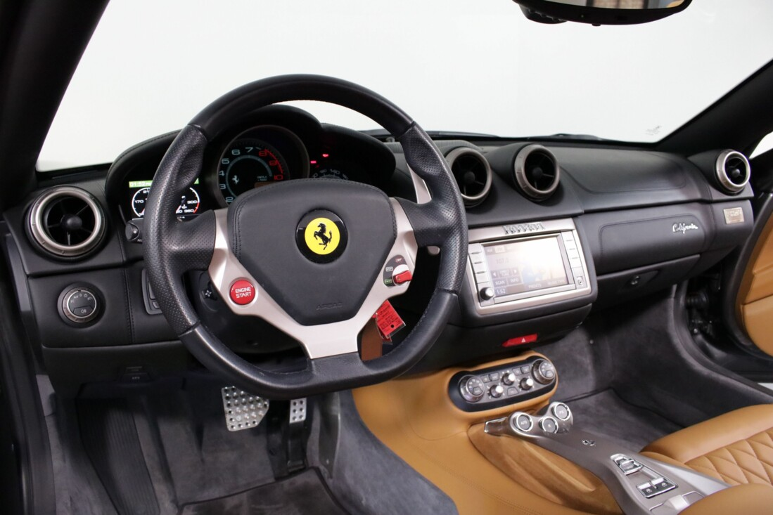 2012 Ferrari  California image _614c26f6e42692.58040518.jpg