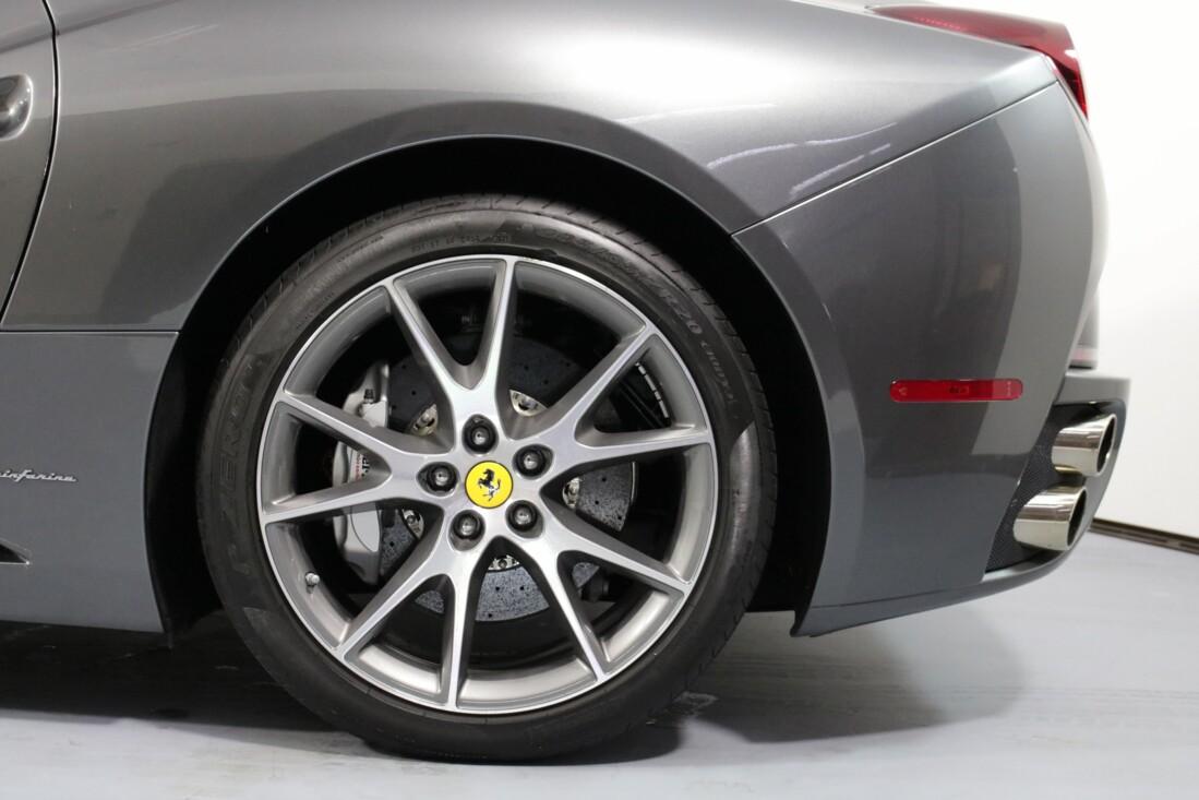 2012 Ferrari  California image _614c2734b42033.61103779.jpg