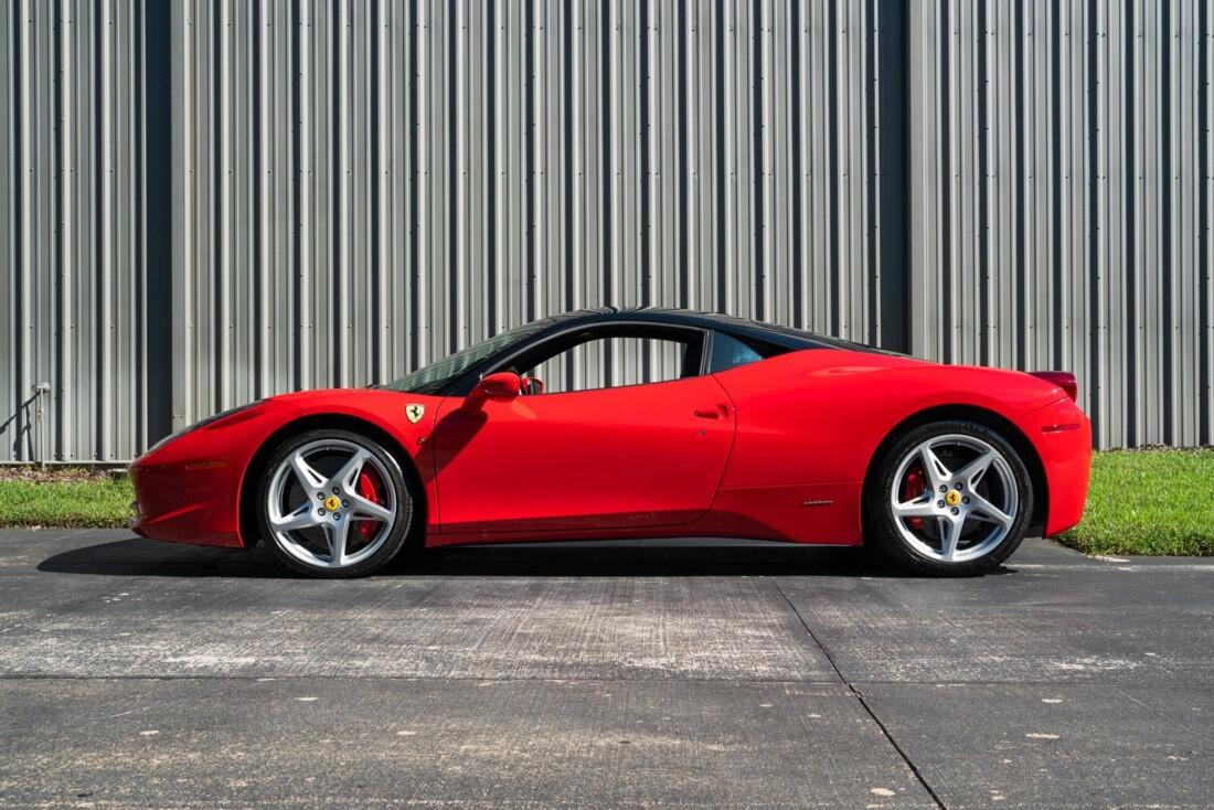 2011 Ferrari  458 Italia image _614c27404e99c5.93104558.jpg
