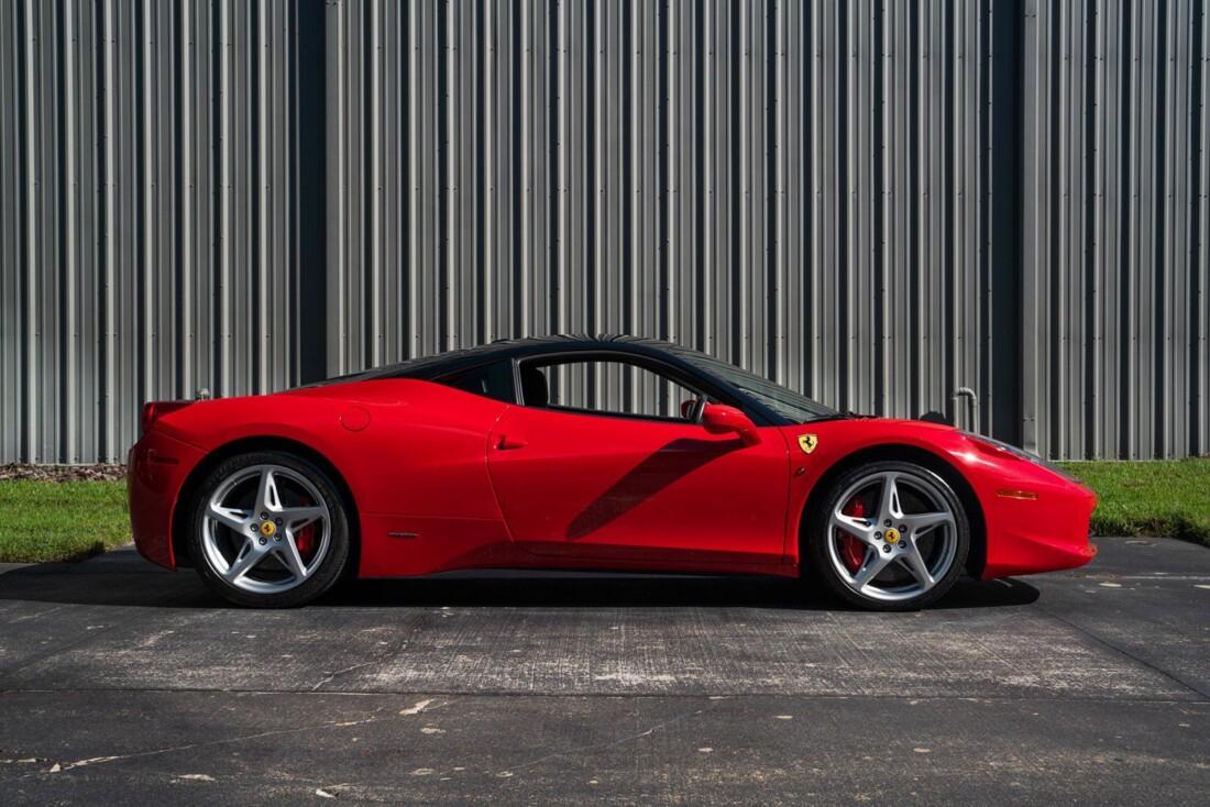 2011 Ferrari  458 Italia image _614c2744086985.75408063.jpg