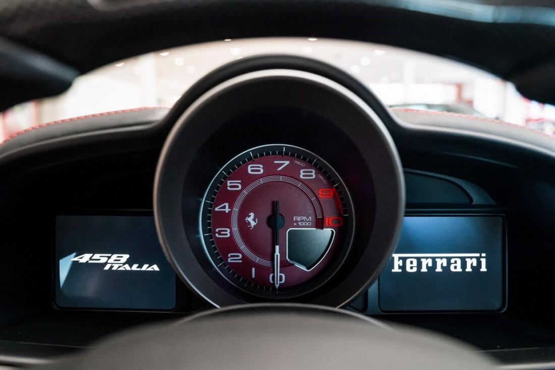 2011 Ferrari  458 Italia image _614c2750ef8701.08798820.jpg