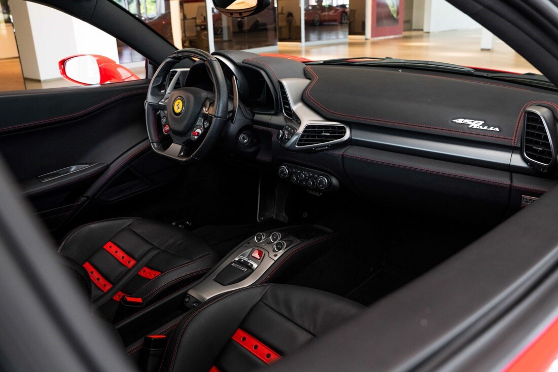 2011 Ferrari  458 Italia image _614c275916f354.92789702.jpg