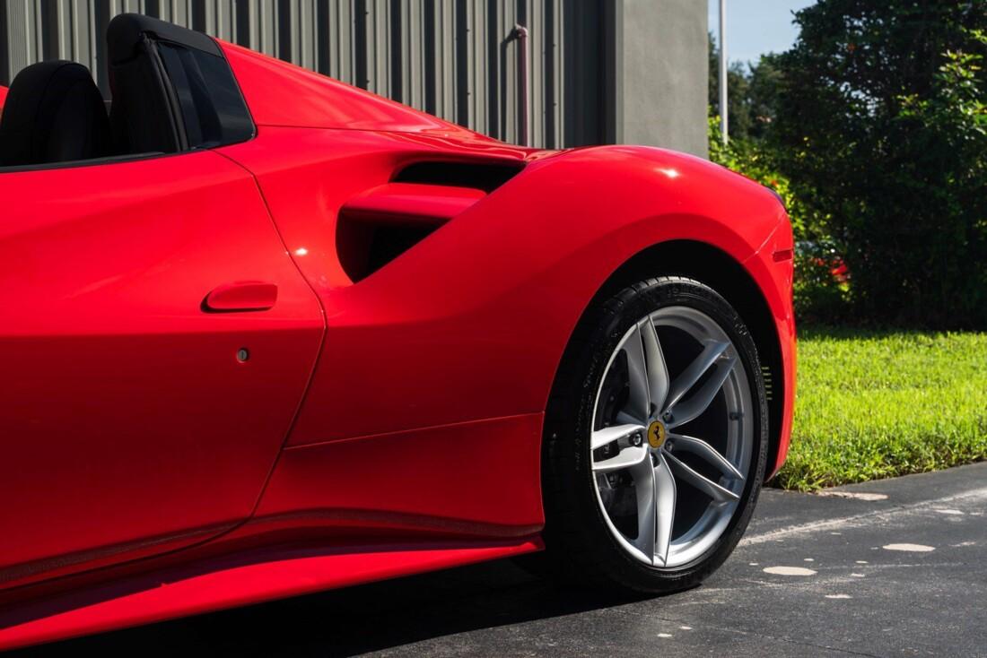 2017 Ferrari 488 Spider image _614c279135c1f2.56207170.jpg