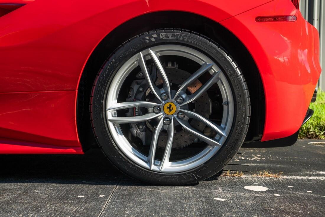 2017 Ferrari 488 Spider image _614c27942018b4.01044885.jpg