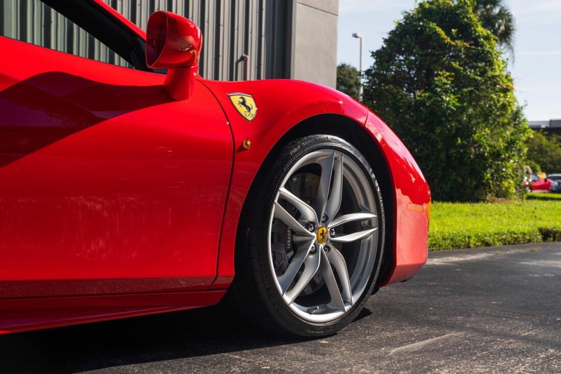 2017 Ferrari 488 Spider image _614c279c590588.29659166.jpg