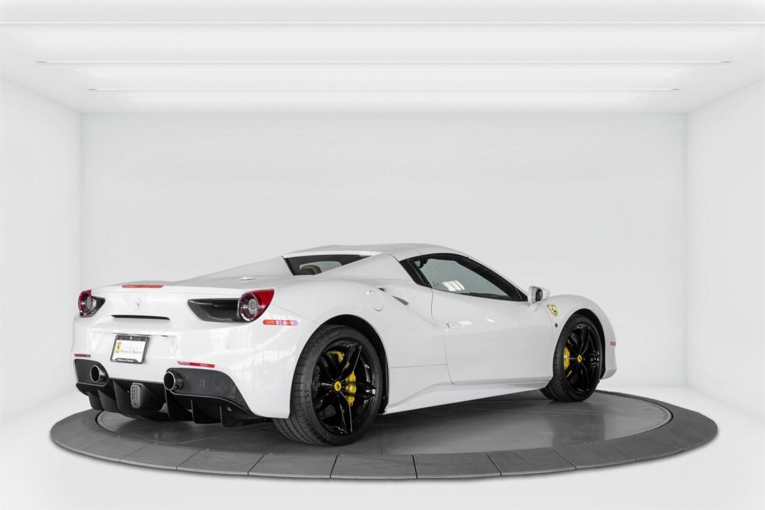 2018 Ferrari 488 Spider image _614d7793427669.06760687.jpg