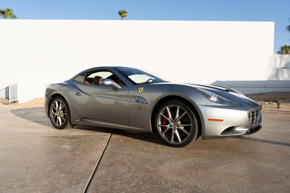 2012 Ferrari  California image _614d77c0cb6049.08441195.jpg