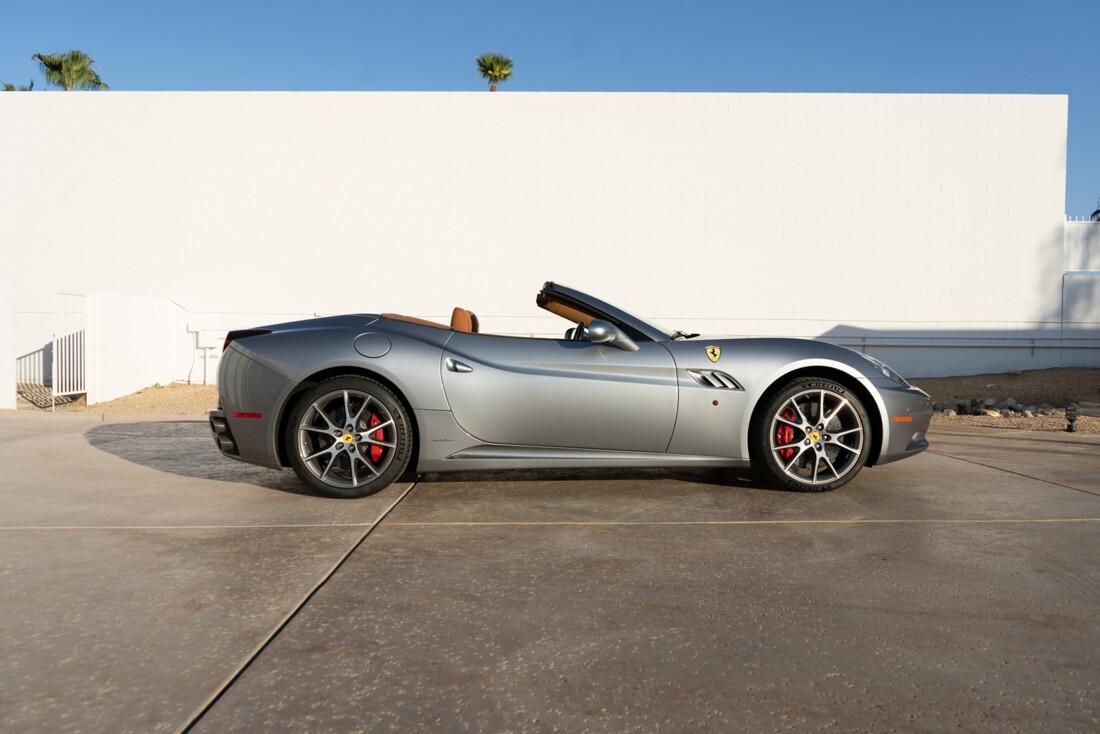 2012 Ferrari  California image _614d77c283d2d5.47988620.jpg