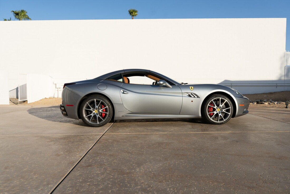 2012 Ferrari  California image _614d77c3460f76.55989574.jpg