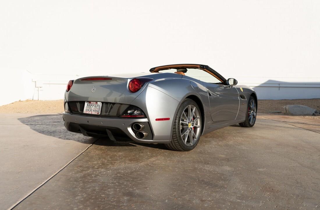 2012 Ferrari  California image _614d77c40e2565.88568022.jpg