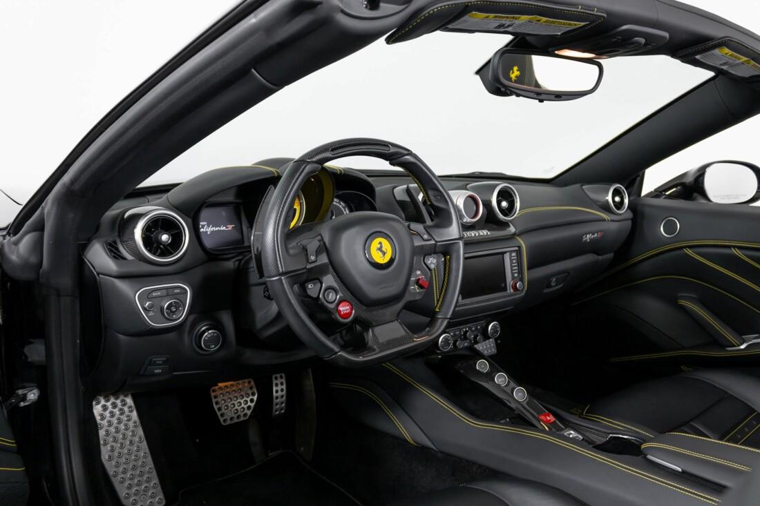2017 Ferrari  California T image _614d77de130ed6.77989603.jpg